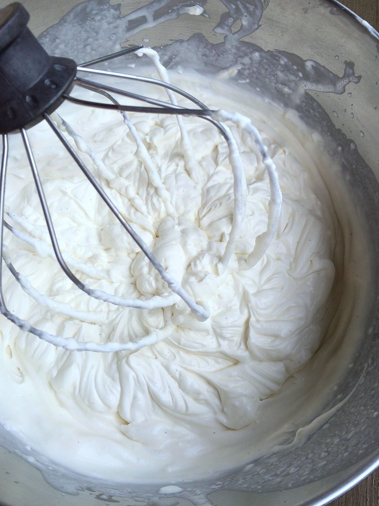 cream chess whipped cream frosting