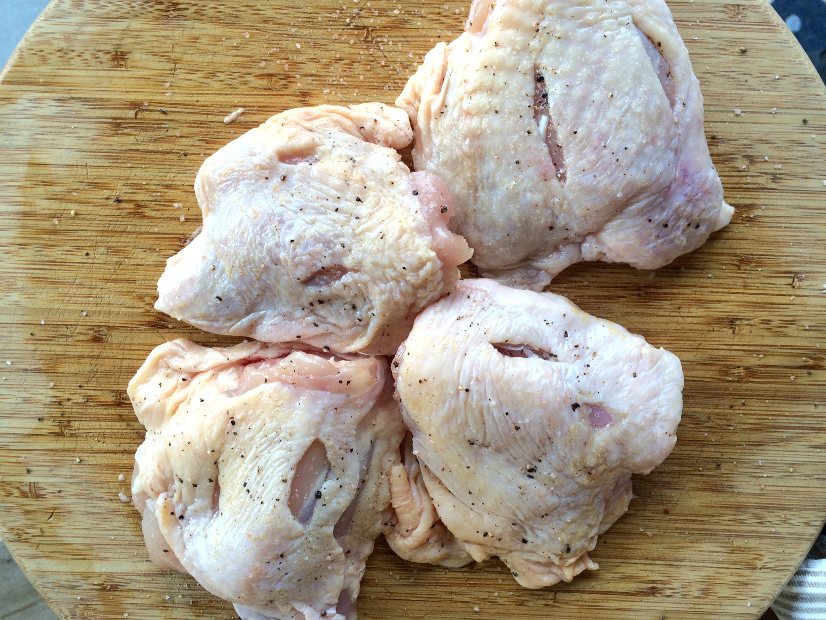 chicken thighs raw